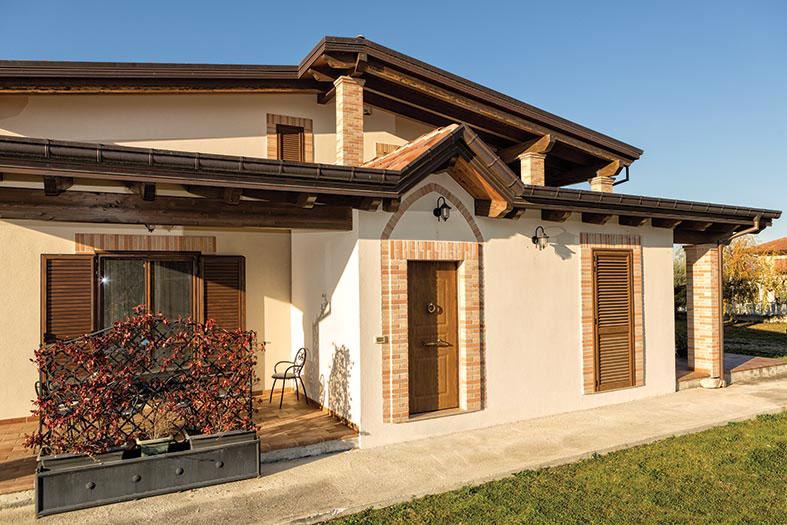 Bioedilizia boom di case in legno nelle marche for Fondazioni per case in legno