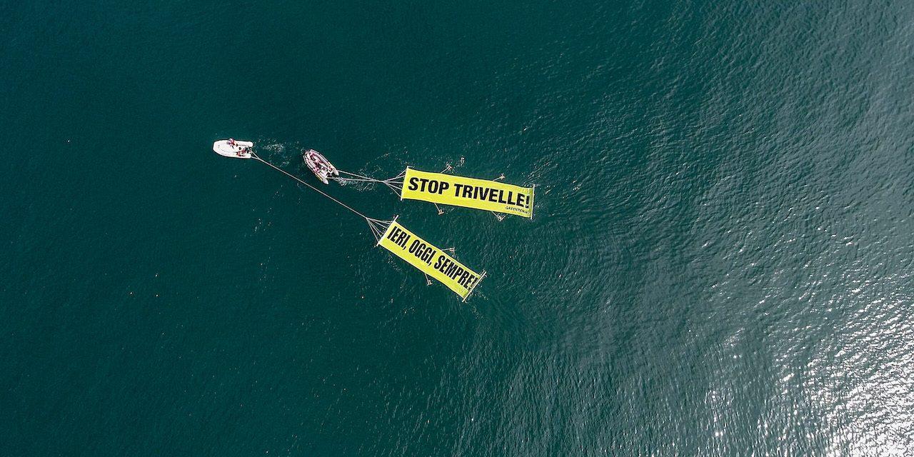 Azione di Greenpeace nel Mare Adriatico per dire no alle trivelle